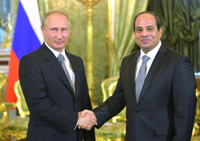 Presidente de Rusia, Vladímir Putin y presidente de Egipto, Abdelfatah Sisi,  (archivo)