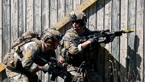 Soldados estadounidenses durante las maniobras - Sputnik Mundo