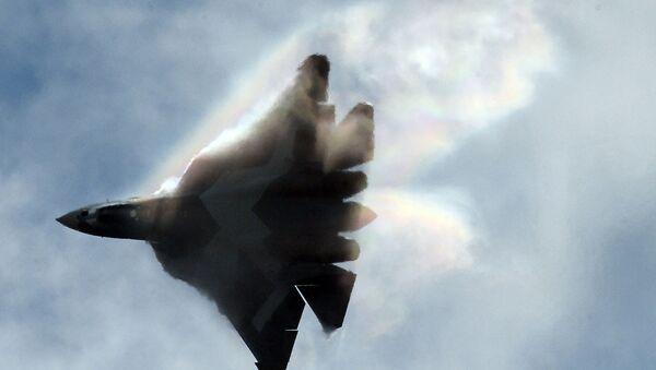 Caza ruso Su-57, anteriormente conocido como T-50 o PAK FA - Sputnik Mundo