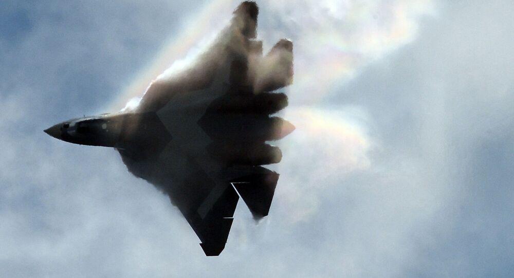 Caza ruso Su-57, anteriormente conocido como T-50 o PAK FA