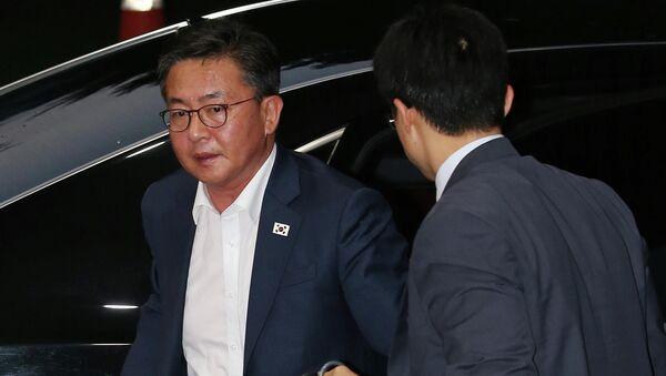 Hong Yong-pyo, ministro de Unificación Nacional de República de Corea - Sputnik Mundo