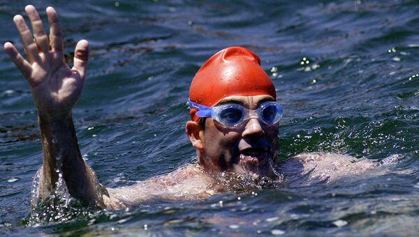 Lewis Pugh, nadador británico - Sputnik Mundo
