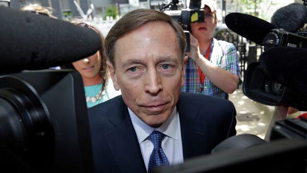 David Petraeus, antiguo director de la CIA y excomandante de las fuerzas estadounidenses en Afganistán e Irak - Sputnik Mundo