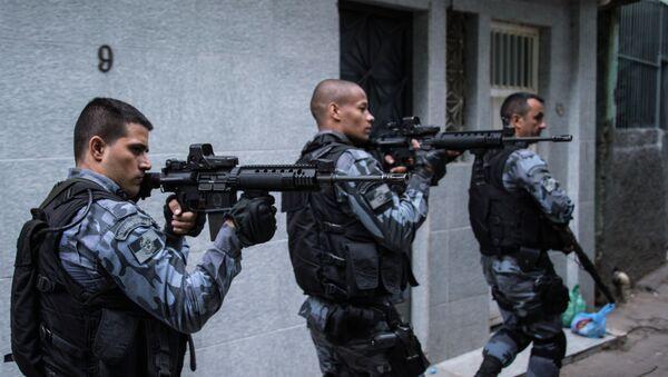 Policía militar en Río de Janeiro - Sputnik Mundo