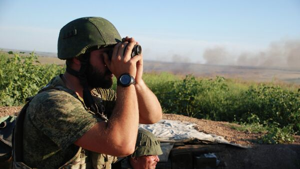 Бойцы 1-й Славянской бригады ополчения ДНР на позиции у линии соприкосновения с ВСУ - Sputnik Mundo