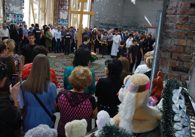 Homenaje a las víctimas del atentado terrorista en Beslán