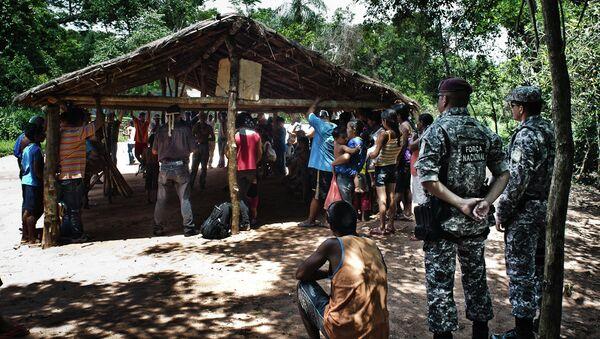 El Ejército de Brasil actúa en el conflicto entre indígenas y granjeros en Mato Grosso - Sputnik Mundo