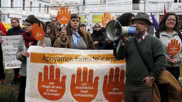La manifestación en apoyo al proyecto de la ley del gobierno chileno que busca legalizar el aborto (Archivo) - Sputnik Mundo