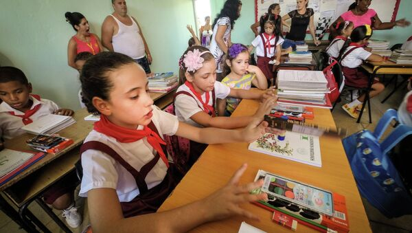 Inicio de curso en una escuela de La Habana (Archivo) - Sputnik Mundo