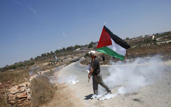 Manifestante palestino en Nabi Saleh - Sputnik Mundo