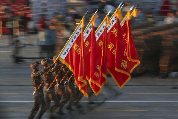 El grandioso desfile militar en Pekin - Sputnik Mundo