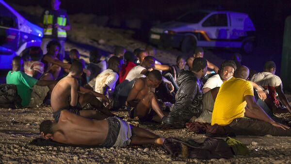 Migrantes africanos en las Islas Canarias - Sputnik Mundo