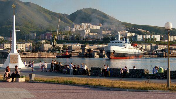 Un barco entre los puertos Vánino y Jolmsk - Sputnik Mundo