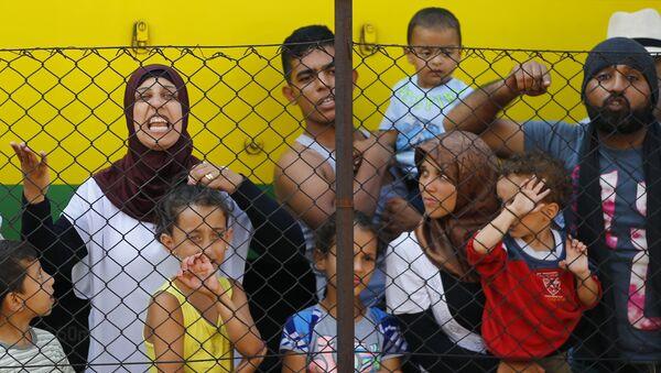 Refugiados en Hungría - Sputnik Mundo
