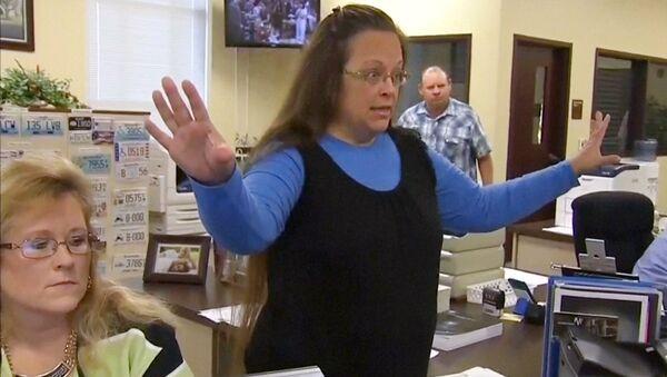 Kim Davis, la funcionaria judicial - Sputnik Mundo