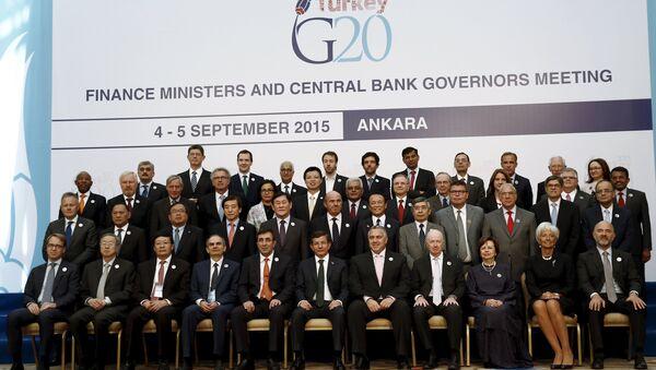 Foto de familia de los ministros de Finanzas y jefes de los Bancos centrales de los países G20, reunidos en Ankara - Sputnik Mundo