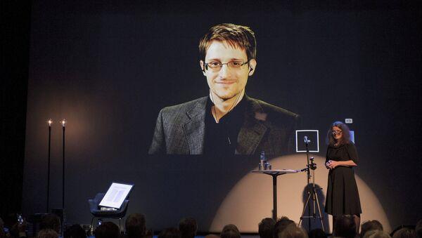 Snowden recibe en ausencia un premio a la libertad de expresión - Sputnik Mundo