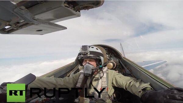 Un paseo a bordo del MiG-29 - Sputnik Mundo