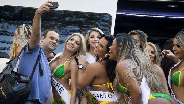 Participantes del certamen Miss Bumbum Brasil 2015 (archivo) - Sputnik Mundo