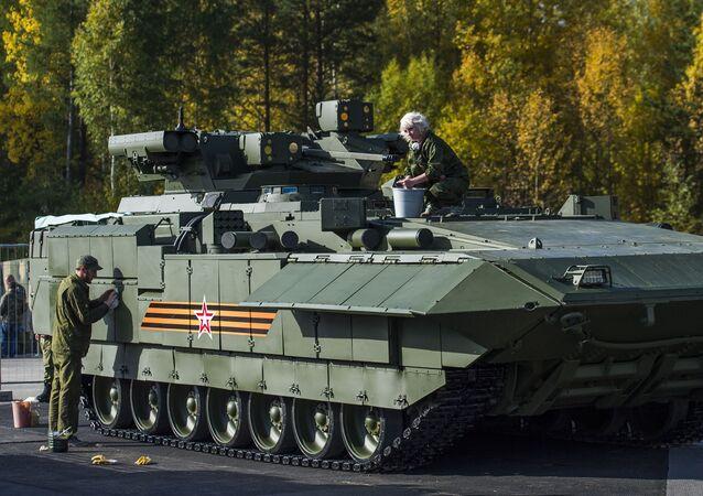 Vehículo pesado de combate de infantería BMP T-15