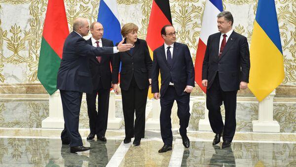 Los líderes de Rusia, Alemania, Francia, Ucrania y Bielorrusia en la cumbre en Minsk (archivo) - Sputnik Mundo