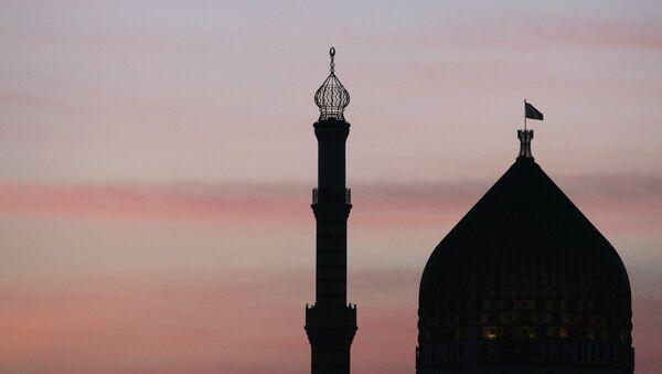 Yenidze, un edificio de Dresde conocido por su aspecto externo, similar al de una mezquita. - Sputnik Mundo