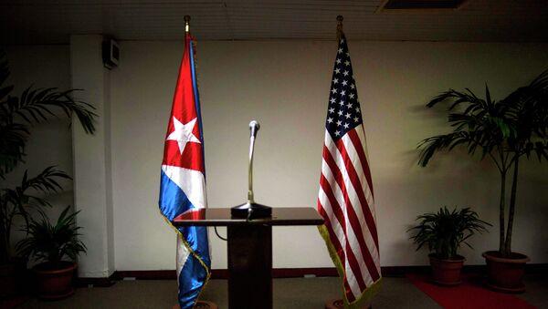 Banderas de EEUU y Cuba - Sputnik Mundo