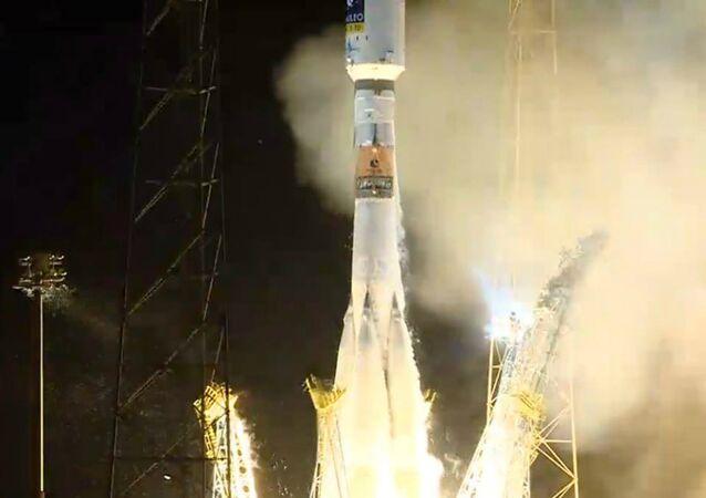 Lanzamiento de Soyuz-ST ruso desde el cosmódromo de Kourou