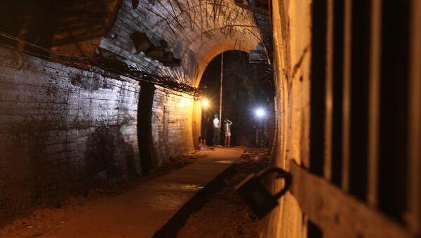 Un túnel cerca del sitio del supuesto tren de oro nazi - Sputnik Mundo