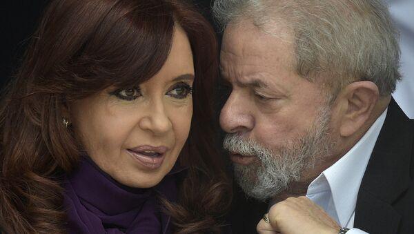 La presidenta de Argentina, Cristina Fernández de Kirchner, y el exmandatario de Brasil, Luiz Inácio Lula da Silva - Sputnik Mundo
