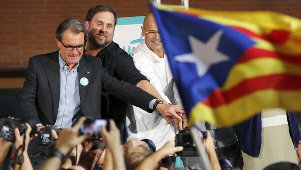 Los candidatos de la coalición electoral 'Junts Pel Sí' formada por los partidos cuyo objetivo es la declaración de la independencia de Cataluña - Sputnik Mundo
