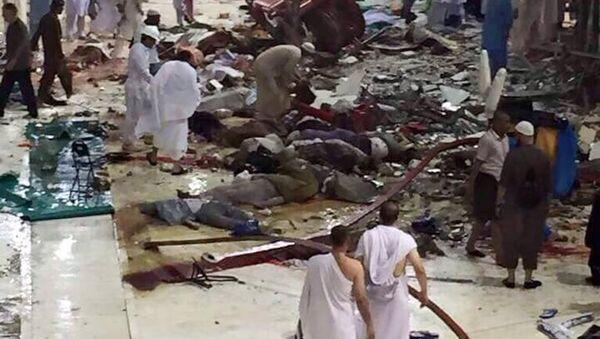 Caída de una grúa en la Gran Mezquita de la Meca - Sputnik Mundo