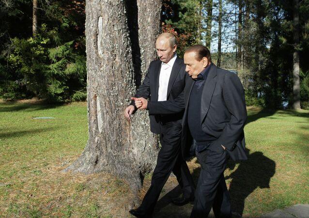Vladímir Putin y Silvio Berlusconi (archivo)