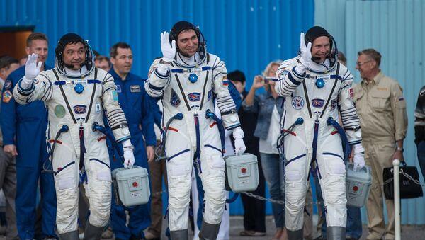 Participantes de la expedición 45/46 a la EEI - Sputnik Mundo