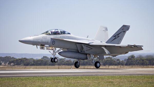 RAAF (A44-222) FA 18F Super Hornet landing - Sputnik Mundo