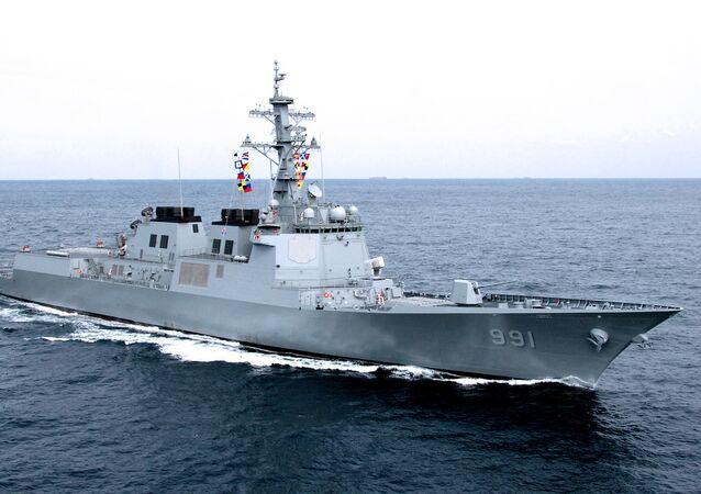 Destructor surcoreano dotado del sistema de defensa antiaérea Aegis