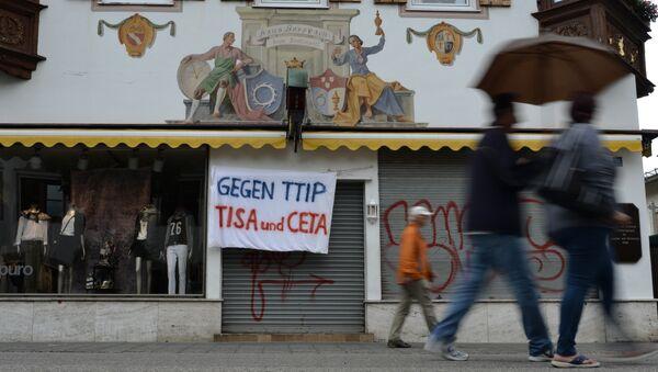 'Contra TTIP, TiSA y CETA' - Sputnik Mundo