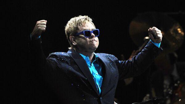 Elton John, cantante británico - Sputnik Mundo
