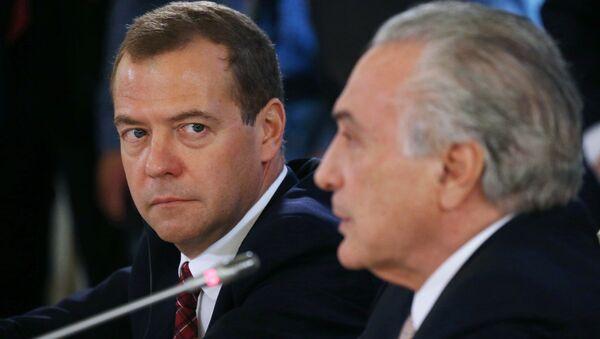 Primer ministro de Rusia, Dmitri Medvédev, y vicepresidente de Brasil, Michel Temer - Sputnik Mundo