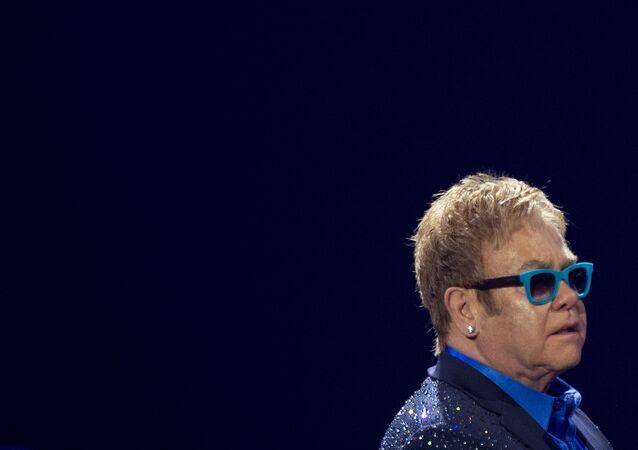 Cantante británico, Elton John