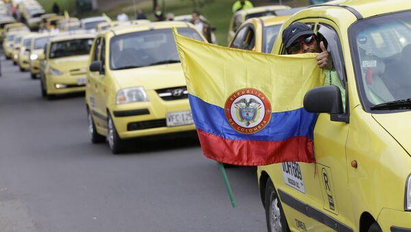 Protesta contra el servicio Uber en Bogotá, Colombia (archivo) - Sputnik Mundo