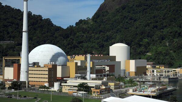 Overview of the Angra 2 nuclear plant (L) and 1 (R) in Angra dos Reis, 240 km south of Rio de Janeiro, Brazil on April 14, 2011. - Sputnik Mundo