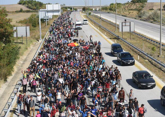 Migrantes y refugiados de Siria cerca de la frontera de Grecia (archivo)