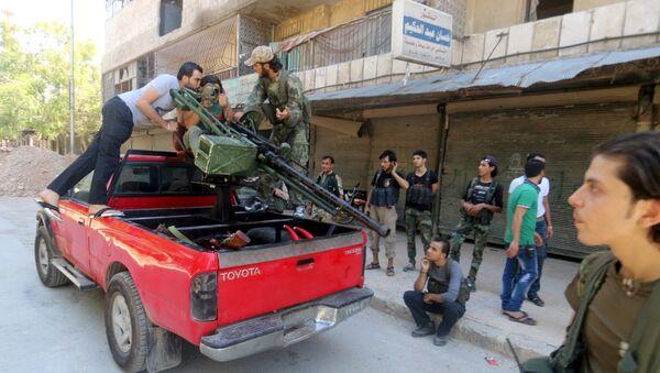 EEUU mantiene entrenamiento a rebeldes sirios pese a críticas - Sputnik Mundo