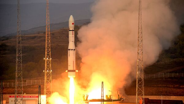 Lanzamiento del cohete Larga Marcha 6 - Sputnik Mundo