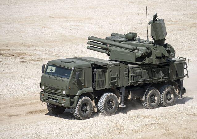 El sistema de misiles y de artillería antiaérea rusos Pantsir (archivo)