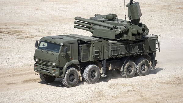 Показ самоходного ЗРПК наземного базирования Панцирь-С  в рамках подготовки к международному форуму Армия-2015 - Sputnik Mundo