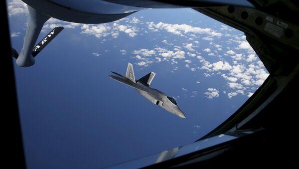A F-22 Raptor fighter  - Sputnik Mundo