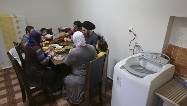 Refugiados sirios en Brasil - Sputnik Mundo
