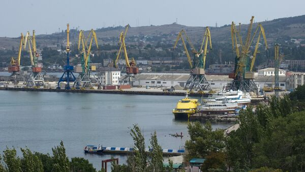 Puerto de Feodosia, Crimea - Sputnik Mundo